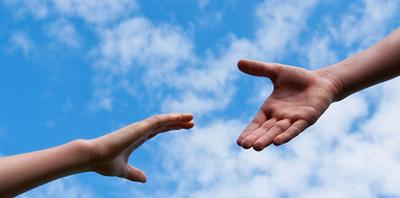 Les partenariats entre les entreprises et les associations caritatives